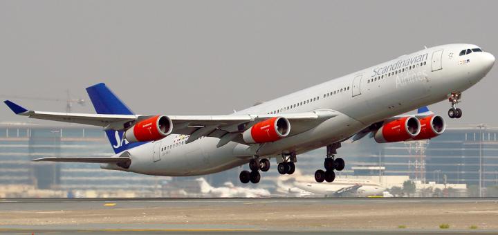 Scandinavian_Airlines_A340-300_LN-RKF_DXB_2007-11-15
