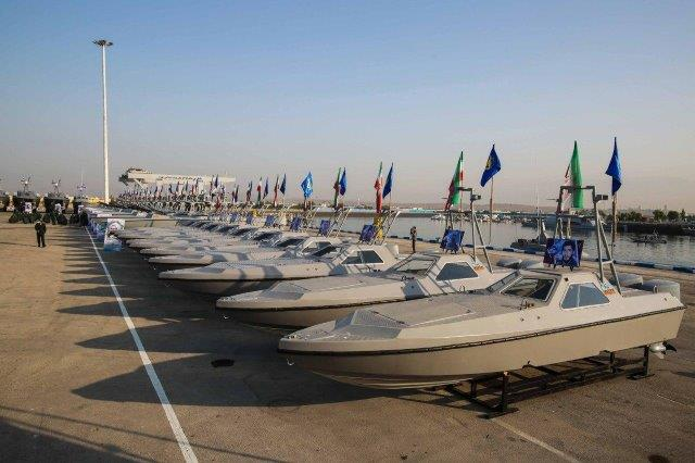 IRGC-Navy-boats-11