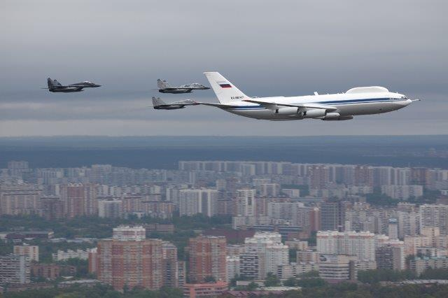 Ilyushin_Il-80_over_Moscow_6_May_2010