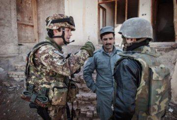 Militari italiani e forze di sicurezza afghane (2)