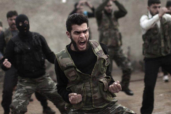 syrian-rebels-train-600