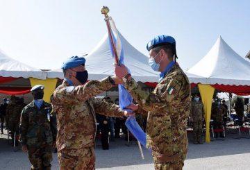 Il passaggio della bandiera delle Nazioni Unite (2) (003)