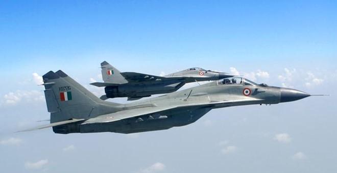 1_MiG29_IAF-002-1