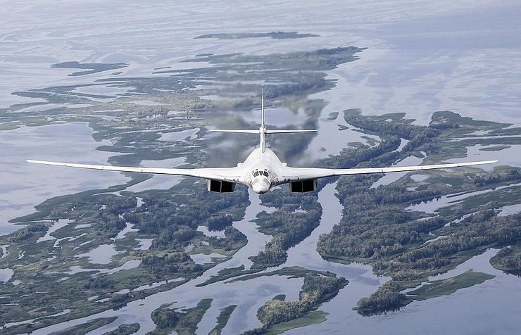 10_Tu-160_TASS-002