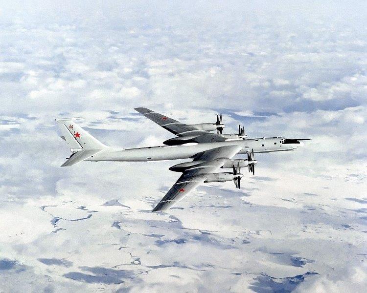 7_Tu-142MR_wikipedia-002