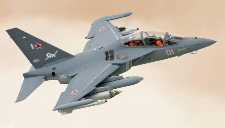 Regimes-military-pilots-follow-training-on-Yak-130-jet-in-Russia