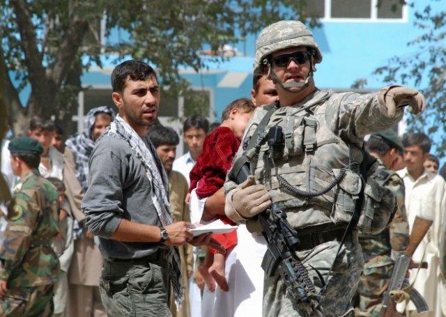 081208-aid_afghans-full-10
