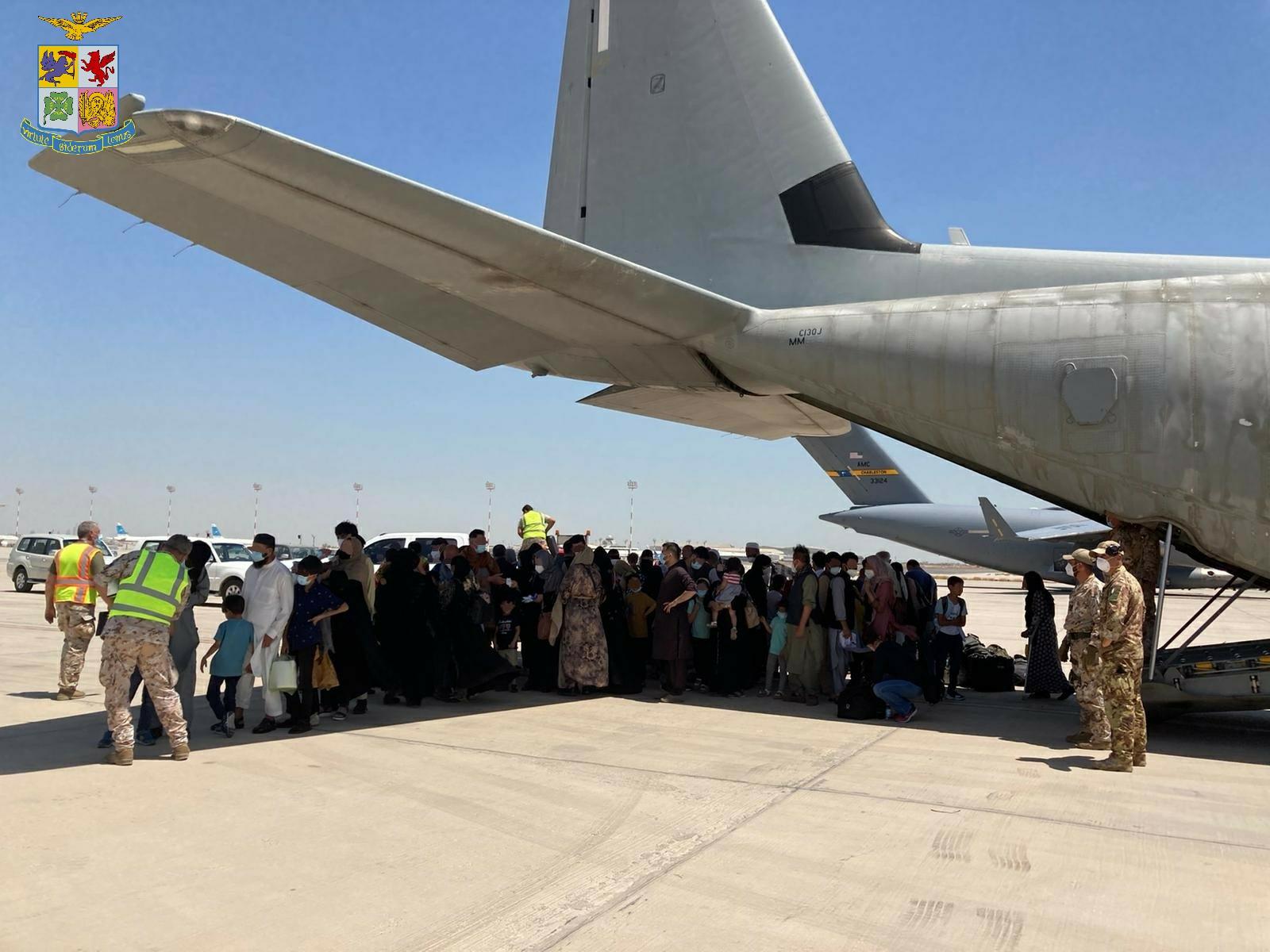 Afghanistan_C130J_Aeronautica Militare