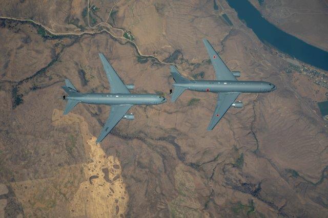 Primo rifornimento in volo per il KC-46 giapponese-2 (002)